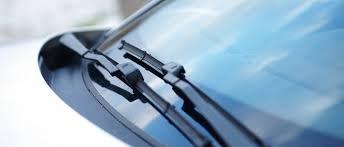 Jak często wymieniać wycieraczki samochodowe?
